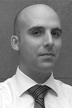 Dan Rossek, Dyrektor ds. Marketingu